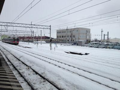 弘前駅に手